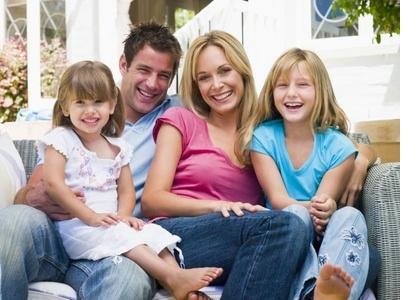 wohnen f r hilfe f r berufst tige eltern und einelternfamilien info ch. Black Bedroom Furniture Sets. Home Design Ideas